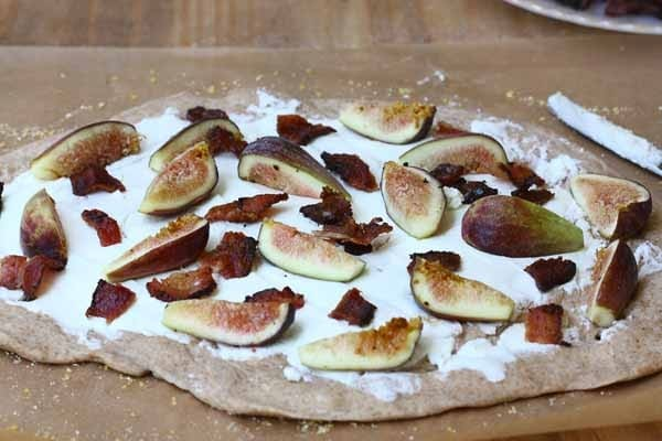 Fig, Bacon and Goat Cheese Pizza – A Cozy Kitchen