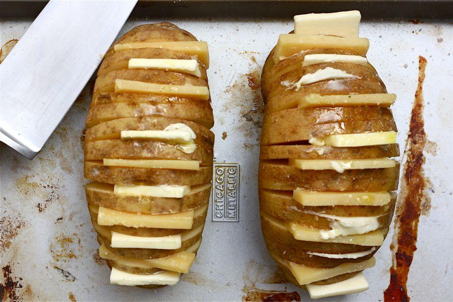 Картофель запеченный с сыром в духовке в фольге рецепт с