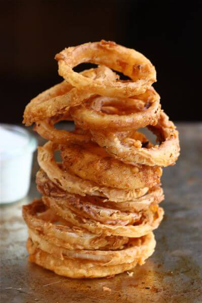 Spicy Buttermilk Onion Rings with Buttermilk Ranch Dressing