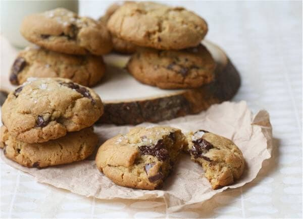 Salty Dark Chocolate Whole Wheat Chocolate Chip Cookies – A Cozy ...