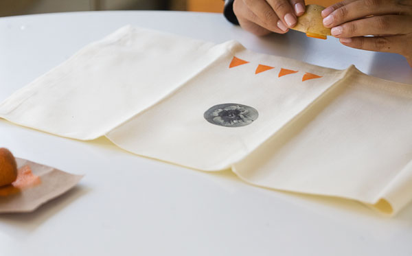 DIY: Thanksgiving Hand Stamped Geometric Napkins // www.acozykitchen.com