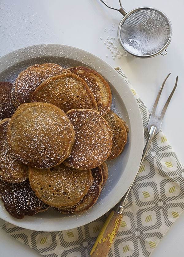 Gingerbread Pancakes // www.acozykitchen.com