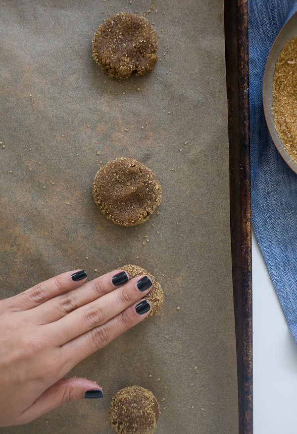 Soft Gingerbread Cookies // www.acozykitchen.com
