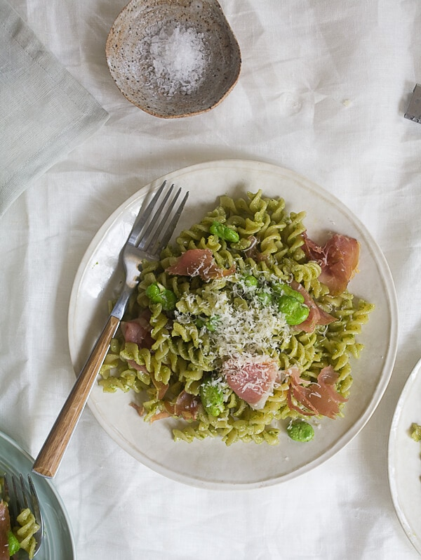 Spinach pesto with fava beans and potatoes - Cook and Post