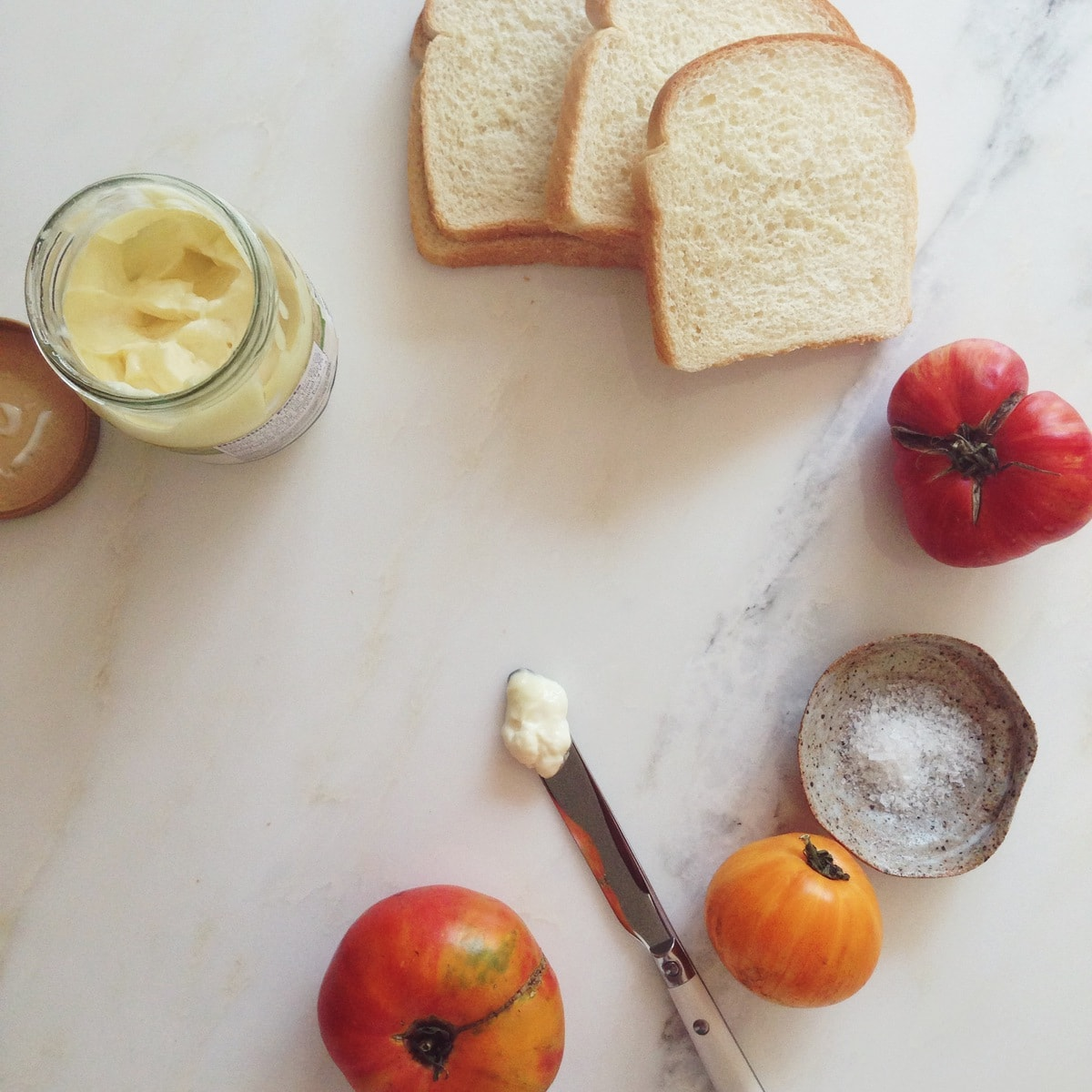 How To Make a Tomato Sandwich