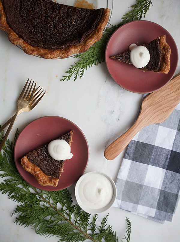 Gingerbread Cookie Pie | Www.acozykitchen.com