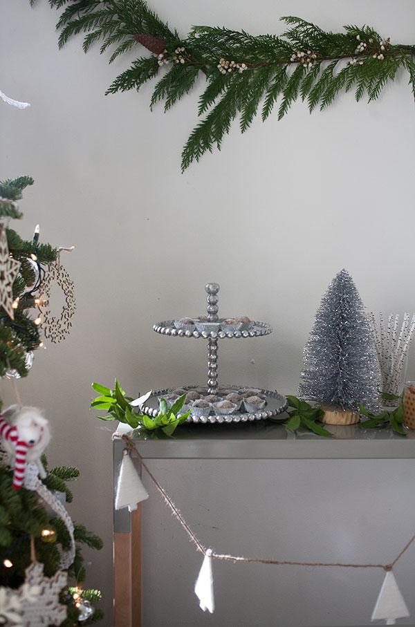 HolidayDessertTable_10
