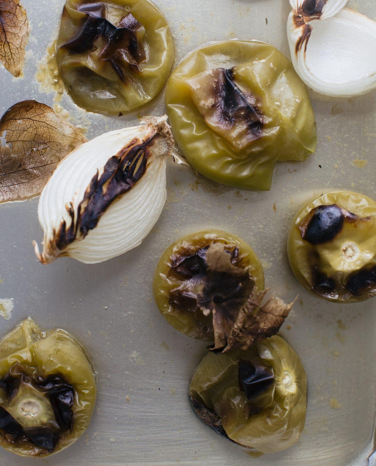 Simple Chicken Fajitas with Tomatillo Guacamole