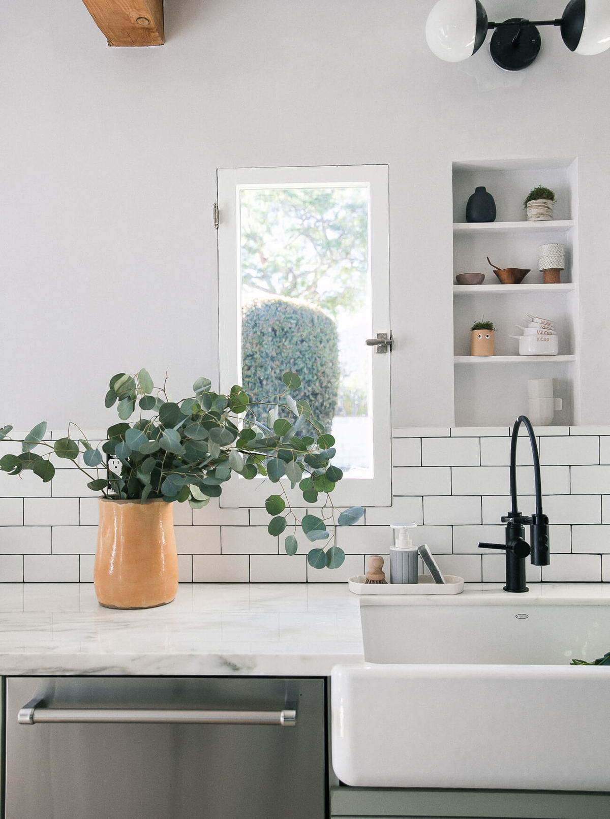 A Cozy Kitchen Renovation: Tips on Working with a Contractor for the ...
