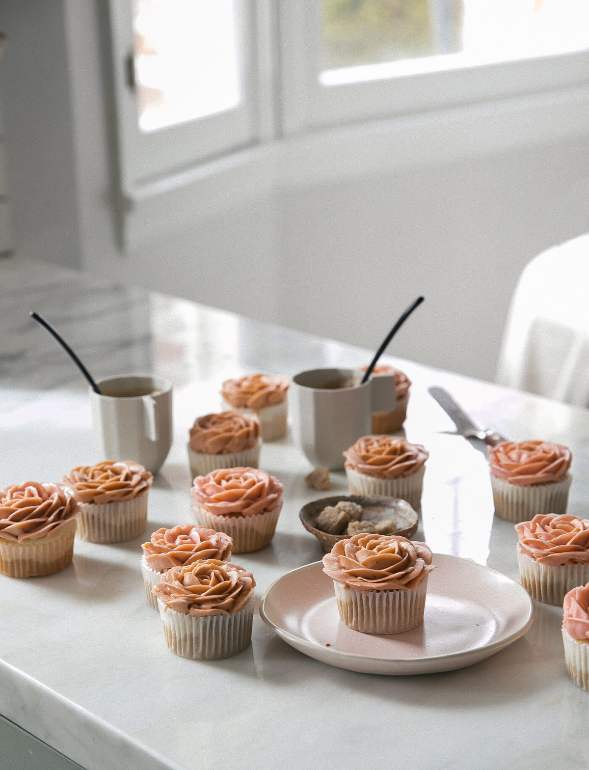 Cappuccino-Flavored Rose Cupcakes