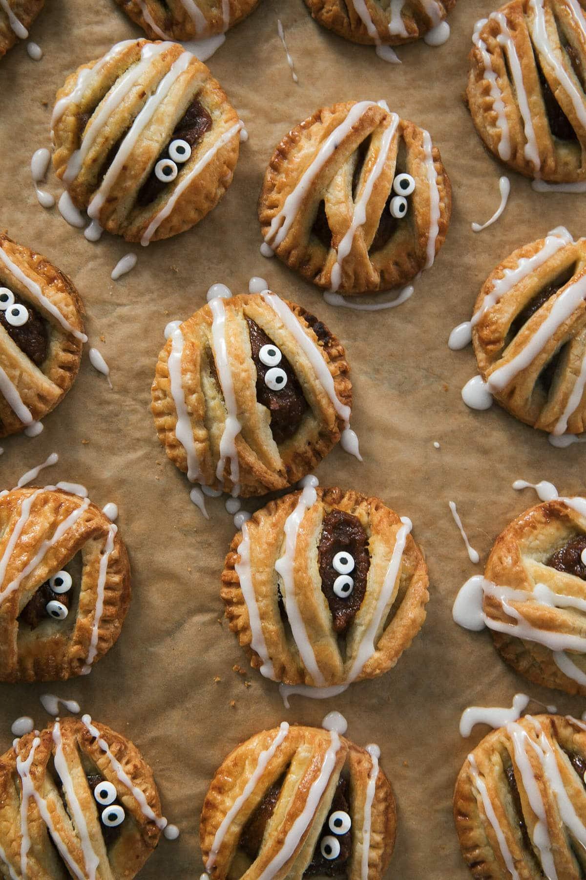 Spooky Mummy Pumpkin Pop Tarts