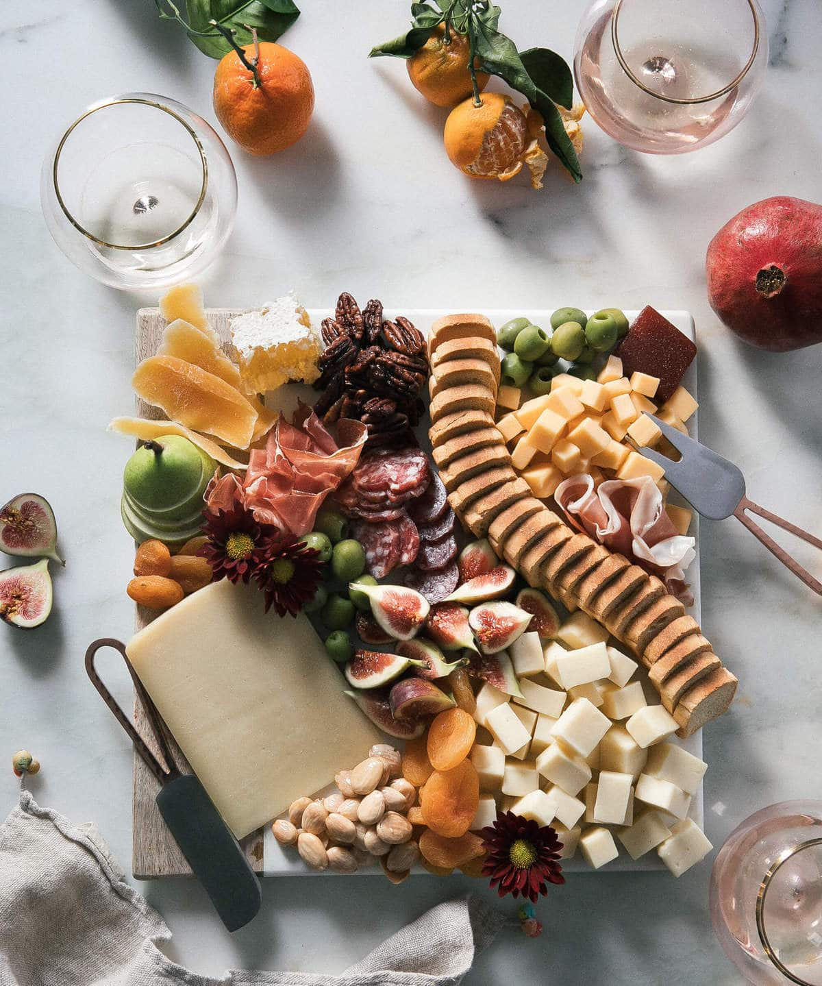 How to Build a Fall/Winter Cheese Board